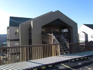 Lakeside Laziness- 2 Bedroom, 2 Bath, Pet Friendly Condo near SDC - Branson vacation rentals