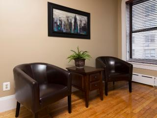 Sleeps 4! 2 Bed/1 Bath Apartment, Midtown East, Awesome! (8346) - New York City vacation rentals