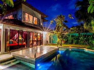 Eshina Seminyak - Amazing location, enclosed living area huge pool sleeps 8 - Seminyak vacation rentals