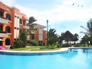 2 BR condo Center Location beach-pool - Puerto Morelos vacation rentals