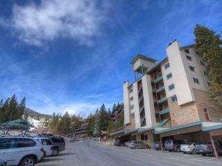 Skier's Dream Condo Sleeps 6 ~ RA775 - Stateline vacation rentals