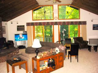 NEW Storyland Vacation Rental. Pools WIFI - Glen vacation rentals