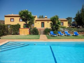 Quinta Do Sobreiro - Beautiful 3 Bedroom Farmhouse - Silves vacation rentals