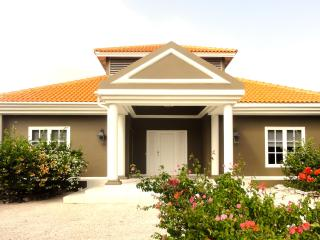 Villa Laman: On the pure Caribbean Sea! - Willemstad vacation rentals