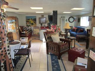 5 STAR CASITA IN THE HISTORIC DOWNTOWN DISTRICT - Albuquerque vacation rentals