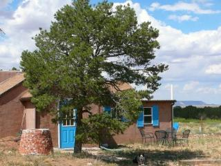 JX Ranch Bunkhouse B&B - Old West peace and quiet - Tucumcari vacation rentals