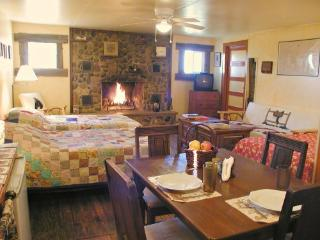 JX Ranch Bunkhouse B&B  - Longhorn  - Tucumcari NM - Tucumcari vacation rentals
