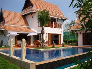Luxury resort villa with pool and garden Ban Phe - Rayong vacation rentals