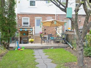 Toronto Beaches, Large 1Bdrm, Private Park, WiFi - Toronto vacation rentals