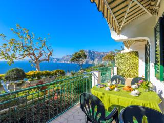 Tramonto central apartment Praiano easy access - Amalfi vacation rentals