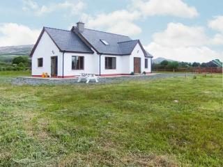 THE CHERRY TREE COTTAGE, open fire, garden, views, close to coast, near Adrigole, Ref 23586 - County Armagh vacation rentals
