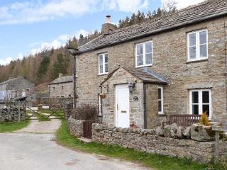 RIVERSIDE, pet-friendly, tranquil location, woodburner, in Whaw near Reeth, Ref. 21336 - Surrey vacation rentals