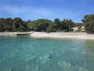 Apartment for 4 persons near the beach in Losinj - Island Losinj vacation rentals
