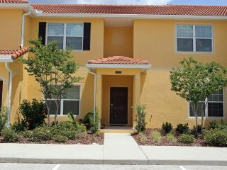 4 bedroom/3 bath  (EC) with private pool..  Do Drop In! Why Wait? Luxury at 5* Paradise Palms Resort Orlando. - Kissimmee vacation rentals