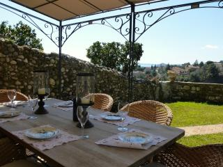 Lovely Stone Home With Seaview, Garden & Terraces - Cagnes-sur-Mer vacation rentals