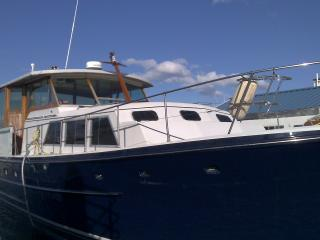 Vintage Yacht in Boston Harbor. Free Parking/WiFi - Boston vacation rentals