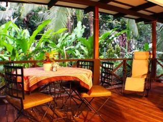 Beach Comfort - Romantic Getaway - Cartago vacation rentals