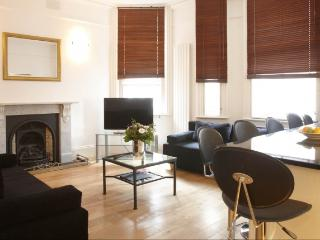 LON Two bedroom in Covent Garden Key 100 - London vacation rentals