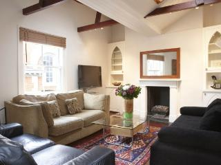 LON Four Bedroom in the Covent Garden Key 63 - London vacation rentals