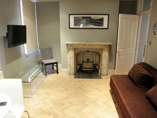 LON Delightful Two Bedroom in Bloomsbury Key 80 - London vacation rentals