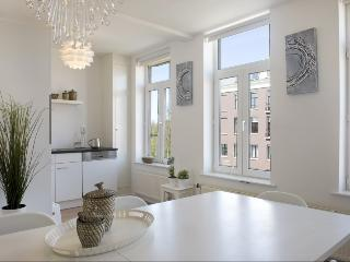 AMS Four-Bedroom House in Oosterpark Area Key 1155 - Amsterdam vacation rentals