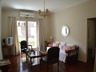 Beautiful Apartment in Downtown 3PAX - Buenos Aires vacation rentals