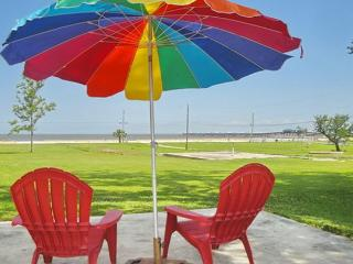 BEV'S BEACH HOUSE - BEAUTIFUL BEACH HOUSE IN WAVELAND, MS - Mississippi vacation rentals