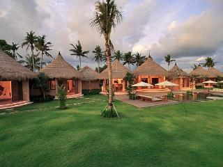 Stunning 5 bedrooms private villa in Canggu - Seseh vacation rentals