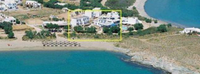 The wonderful unspoilt location on Agia Kyriaki Beach Tinos - Tinos Island Charming Hibiscus Studio for 2 or 3 persons - Tinos - rentals