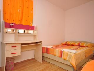Lovely apartment in Radunica - Split vacation rentals