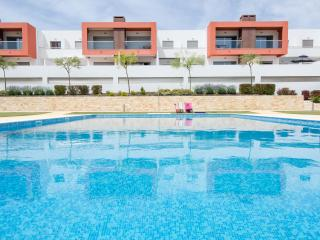 Brand New 2 Bed apt with pool & AC near Albufeira - Portimão vacation rentals