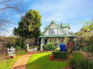 Apple Green Cottage - Daylesford vacation rentals