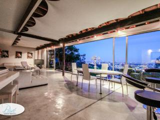 Hollywood Hills Sky Bungalow - Los Angeles vacation rentals