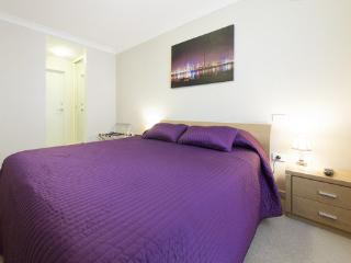 One Bedroom Apartment @ The Waldorf - Perth vacation rentals