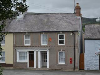 Cottage sleeps 10 in Brecon Beacons National Park - Llandovery vacation rentals