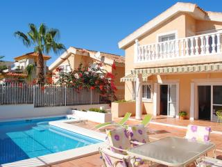 VILLA WITH POOL, JACUZZI, SEAVIEWS, WIFI AND BBQ. - Puerto de Mazarron vacation rentals