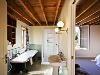 THE BARN - Auckland vacation rentals