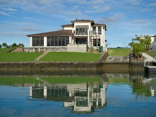 Hei on Waterways  Whitianga Executive Holiday Home - New Zealand vacation rentals