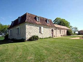 Stylish french manoir to let with private pool and outstanding views - Cahuzac-sur-Vere vacation rentals