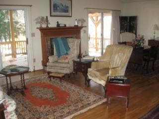 Living Room in Grandmother House - Grandmother's House At Southwyck Farm - Lawsonville - rentals