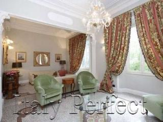 Fine Roman Luxury Living - Beautiful Elegante - Rome vacation rentals