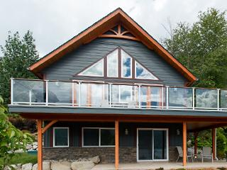 Stunning Lakeview Retreat! - Nelson vacation rentals