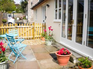 GLEBE LODGE detached, cosy accommodation, pet-friendly in Wells Ref 23806 - Somerset vacation rentals