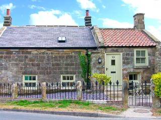 HOLLY TREE COTTAGE, pet-friendly stone cottage with woodburner, underfloor heating, luxury bathroom, close good inn, Aislaby Ref - Aislaby vacation rentals