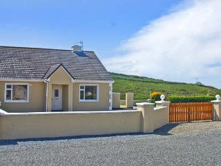 GLASHA MOR, open fire, en-suites, garden, coastal cottage in Doolin, Ref. 26622 - Doolin vacation rentals