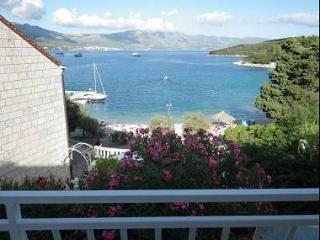 5757 A2(2+1) - Korcula - Southern Dalmatia Islands vacation rentals