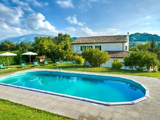 Candigliano - Large farmhouse with 17 sleeps - Urbania vacation rentals