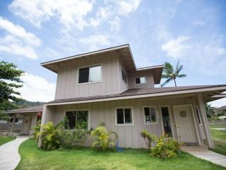 Homestead Estate - 4BR, Close to the Beach & PCC - North Shore vacation rentals