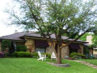 Beautifully Furnished Rent Home in Dallas / Plano--Private Pool and Fireplace - Plano vacation rentals