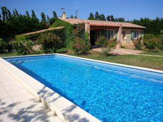 Beautiful cottage in the south of France - Camelas vacation rentals